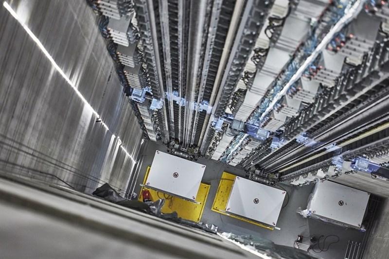 El primer ascensor sin cables en el mundo