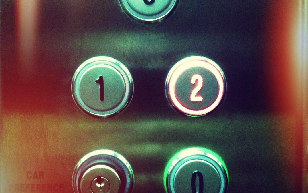 Consejos de accesibilidad en el ascensor